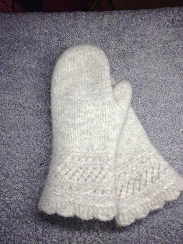 Swedish mitts knitted and felted of lambswool by Norwegian Röros yarn | Nytt…