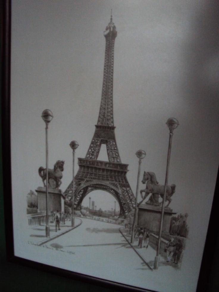 pencil drawing of the Eiffel Tower/ dessin au crayon de la Tour Eiffel