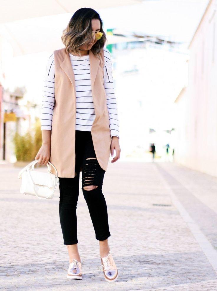 look-oxford-rose-gold-metalizado-calça-preta-moletom-listrado-maxi-colete-camel-mini-bag-opposite-calçados10