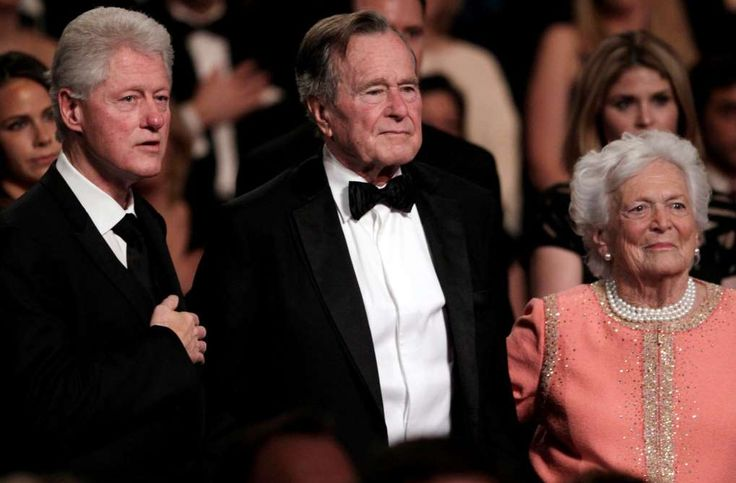 Bill Clinton tweets about visiting Bushes in Houston  -  April 10, 2017