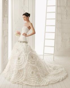 Colección 2013 de Aire Barcelona | Preparar tu boda es facilisimo.com