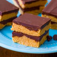 No-Bake Reese's Peanut Butter Bars. - Sallys Baking AddictionPeanuts, Chocolates Chips, Recipe, Chocolates Peanut Butter, S'More Bar, S'Mores Bar, Peanut Butter Bars, No Bak Chocolates, Chocolate Peanut Butter