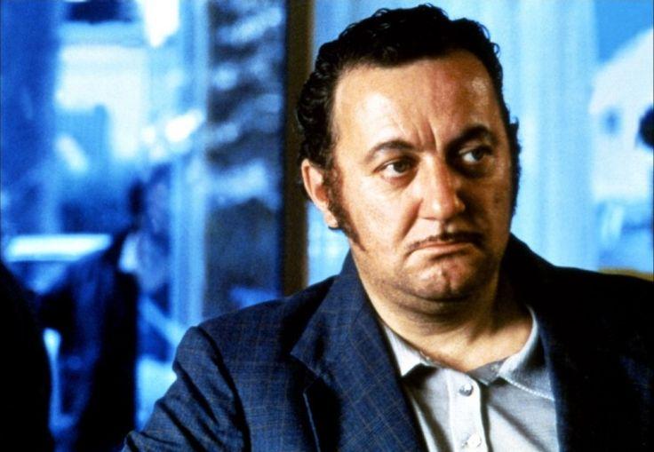 Coluche, du comique au tragique- Impayable au côté de Louis de Funès au début de sa carrière au cinéma (L'Aile ou la cuisse), Coluche a su vous émouvoir avec retenue dans le film qui lui vaudra un César du Meilleur acteur : Tchao pantin.
