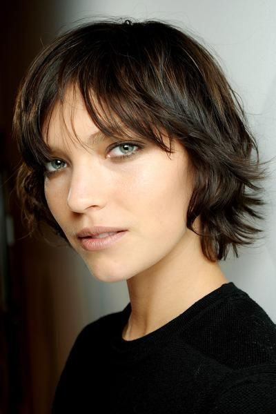 Burberry Prorsum - Arizona Muses (if I ever thought about short hair)