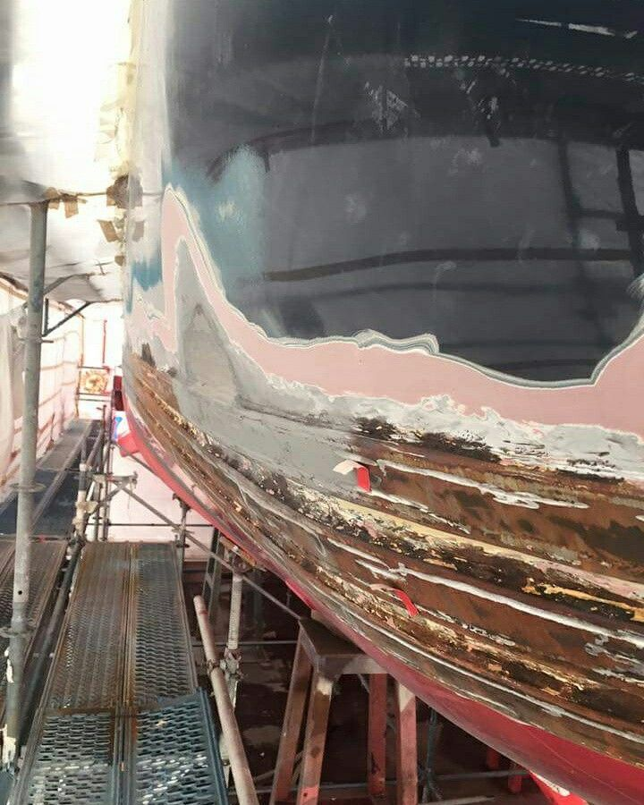 Due to the corrosion from general weather wear and tear around the three aft stainless steal waterline rubbing strakes, it was decided to to remove them to treat the corrosion on board the mighty 2008 Hakvoort Grootkeukens built #MYAwatea. #SuperyachtFinishingService www.absoluteboatcare.net