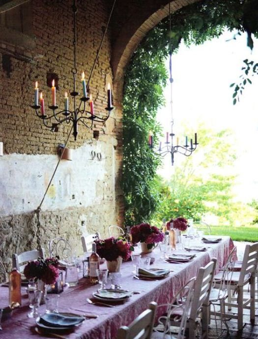 K. Irelands home via Verdigris Vie: French FarmOutdoor Dining, Ideas, Tables Sets, Dinner Parties, French Country, Kathryn Ireland, Gardens, Outdoor Spaces, Dining Tables