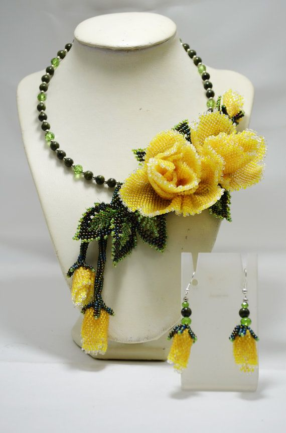 Yellow Wedding Statement Necklace with Roses, Beaded Floral Choker, Bridal Necklace, Bridesmaids Necklace, Wedding Jewelry, Gift for Her