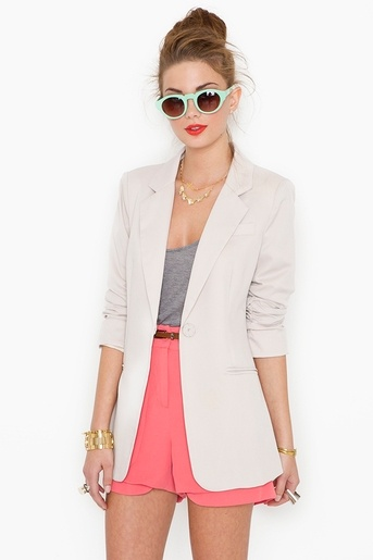 yes.Light Pink Blazers, Fashion, Khakis, Summer Outfit, Club Blazers, Blazers Outfit, Spring Colors, Beach Club, Nasty Gal