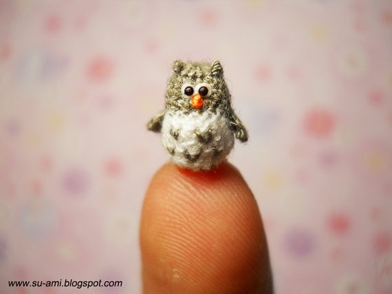 Tiny crochet ~ ach! how adorable and how crazy small and insane this would be to crochet. i tip my chapeau to the artist, cheers!
