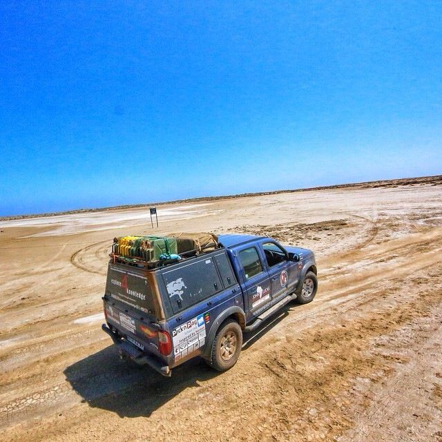 #Ford #Ranger working hard on the salt pans on the west coast of South Africa in a diamond mining area. #explore4knowledge #e4k_JohnLucas #johnlucas_co_za #e4k_water