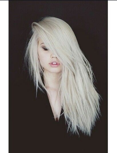 I would LOVE to do this to my hair. Unfortunately it probably wouldn't look good on me, because of my skin tone.