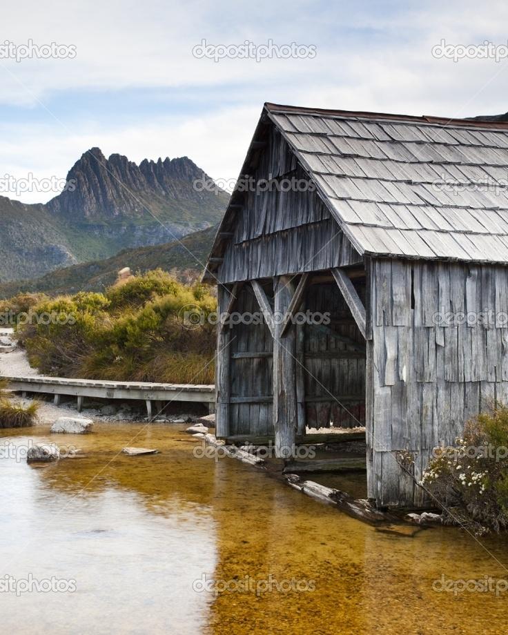 The famous boat shed on Dove Lake, Cradle Mountain, Tasmania, Australia