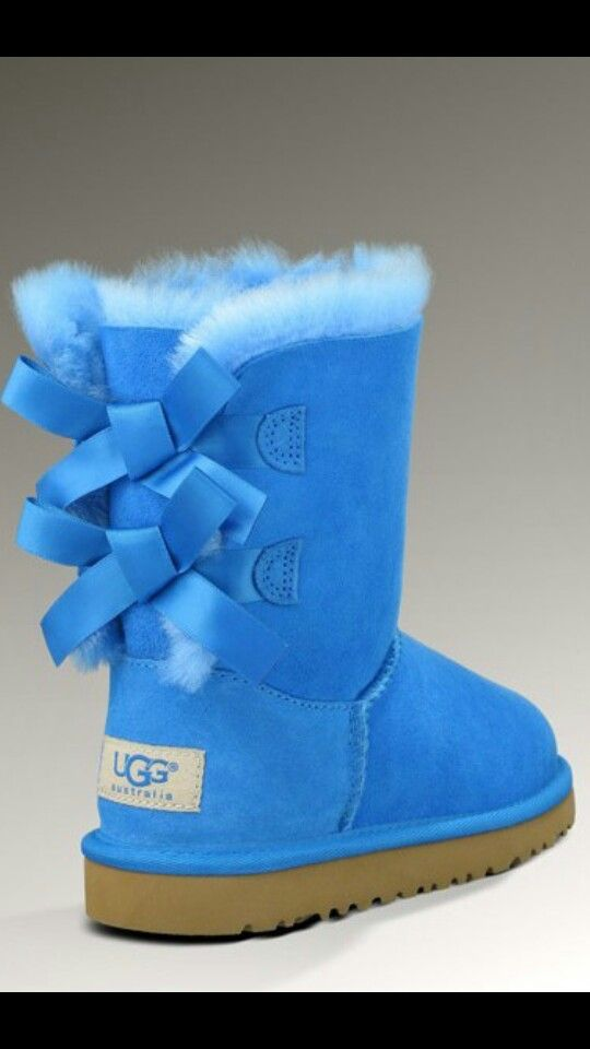 Blue bow uggs luv them!