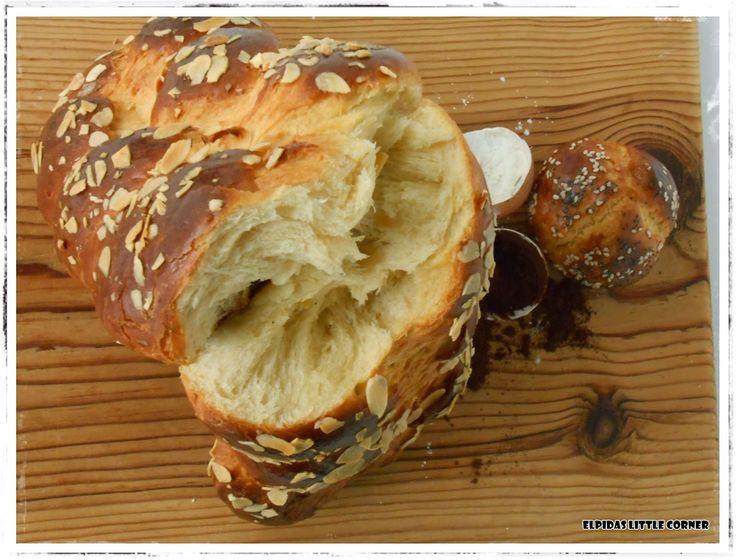 τσουρεκια χωρις ζυμωμα http://elpidaslittlecorner.blogspot.gr/2015/03/blog-post_17.html