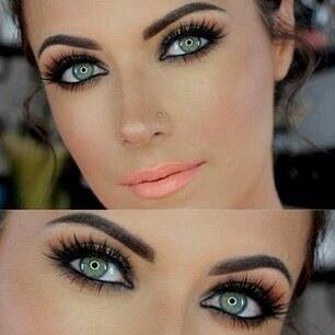 Nothing beats a Natural Make Up on your D Day!