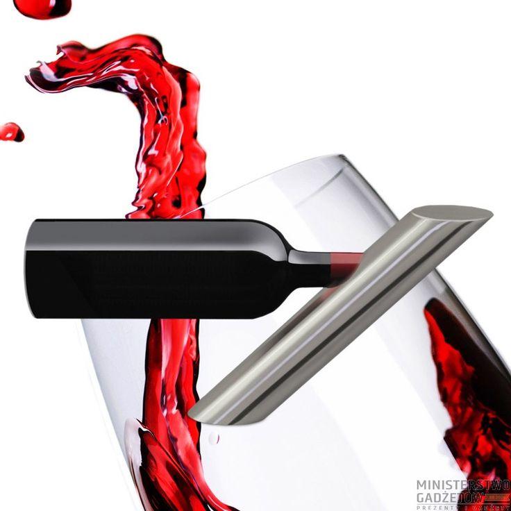 Oto jeden z najbardziej niezwykłych stojaków na wino, jakie kiedykolwiek widzieliśmy. Ten sprawiający wrażenie optycznej iluzji gadżet będzie jednym z najbardziej popularnych akcesoriów w Twoim domu. Ten rewolucyjnie zaproje