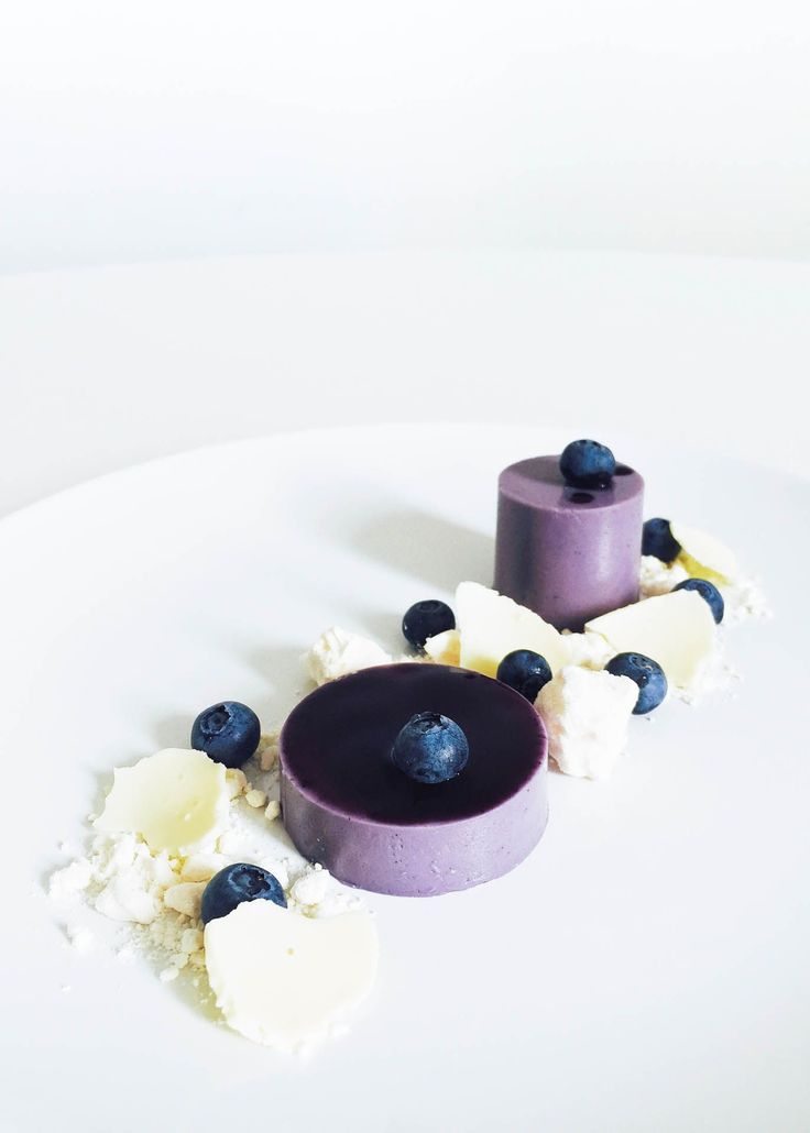 This delicious blueberry violet panna cotta recipe transform a classic into a dessert that is both captivating and vibrant.