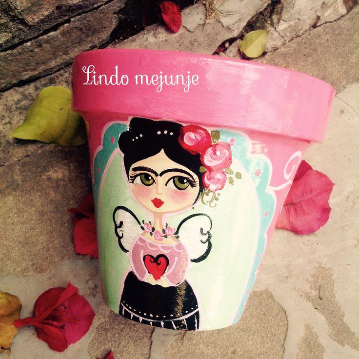 Maceta Frida pintada a mano .lindo mejunje
