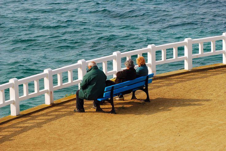 Saint-Quay Portrieux Sur le banc = On the bench
