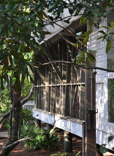 Mockbee Cocker Seaside House Outdoor Shower