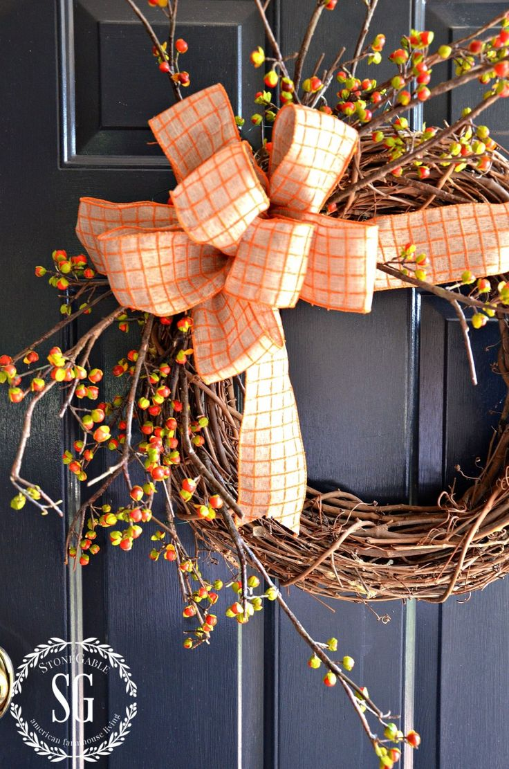 BITTERSWEET WREATH DIY- A very easy-to-make fall wreath-stonegableblog.com