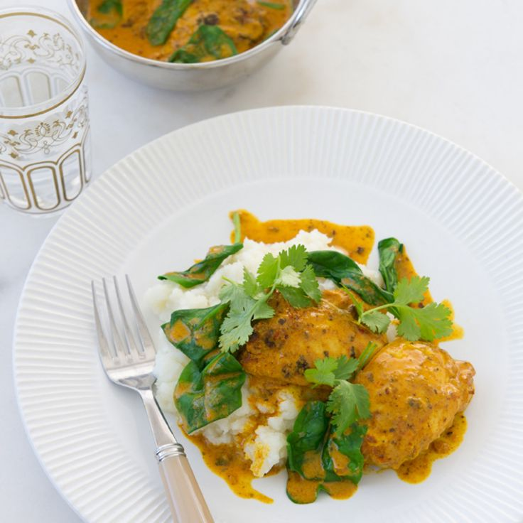 Try our easy to follow chicken tikka curry with cauliflower mash recipe. Absolutely delicious with the best ingredients from Woolworths.