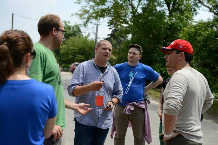 Spolupracujeme s Bratislavským samosprávnym krajom, 8. a 9. júna po klesnutí hladiny boli naši dobrovoľníci odstraňovať škody spôsobené súčasnými povodňami na Dunaji v Devíne a na Devínskej ceste.