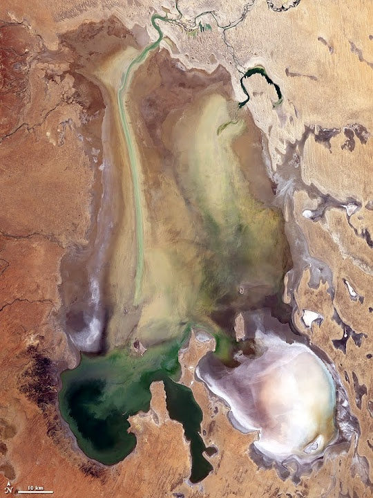 Lake Eyre, South Australia.