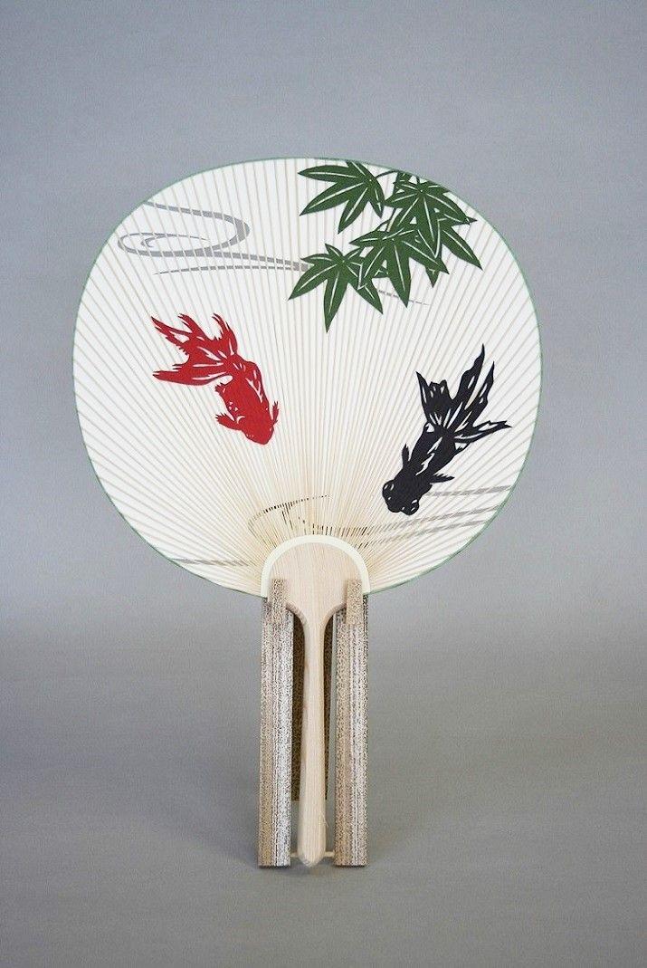 並型片透うちわ「金魚」竹台セット - 京うちわ 阿以波