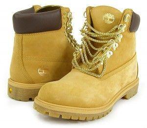 Chi di noi non ama le Timberland? Scarpe invernali resistenti e calde. Anche loro, come tuttele scarpe in camoscio, richiedono un'attenta manutenzione per mantenerle sempre belle e splendenti. Lapul