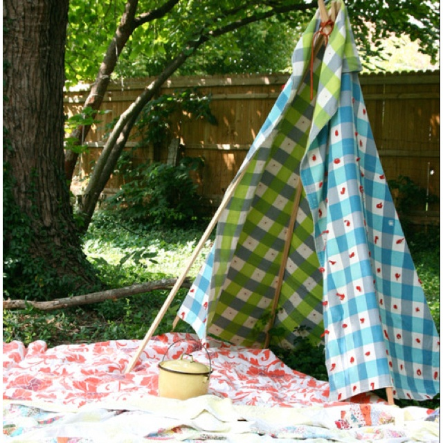 Blanket fort I'd use.....: Teep, For Kids, Plays Tent, Backyard Camps, Projects Ideas, Outdoor Plays, Homesteads, Small Gardens, Photo
