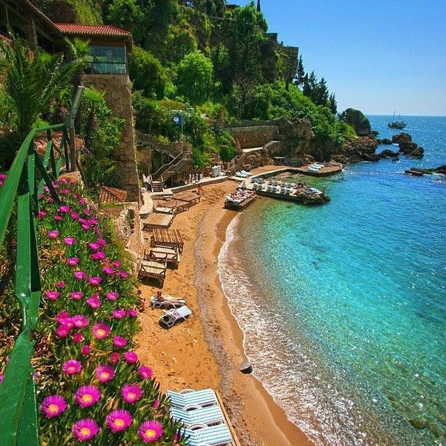 Yet another photo that seems too stunning to be real! Are you ready to spend your summer holiday at Antalya's turquoise seas and crystal clear waters?