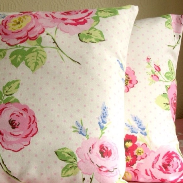 Shabby chic rose pillows sewing - pillows chic Pinterest Shabby, Chic and Shabby chic