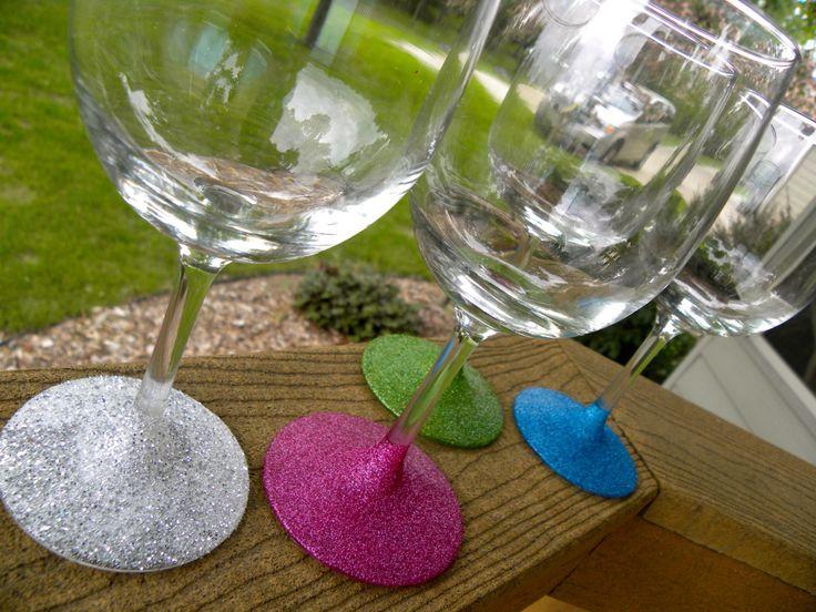 DIY: glitter wine glass