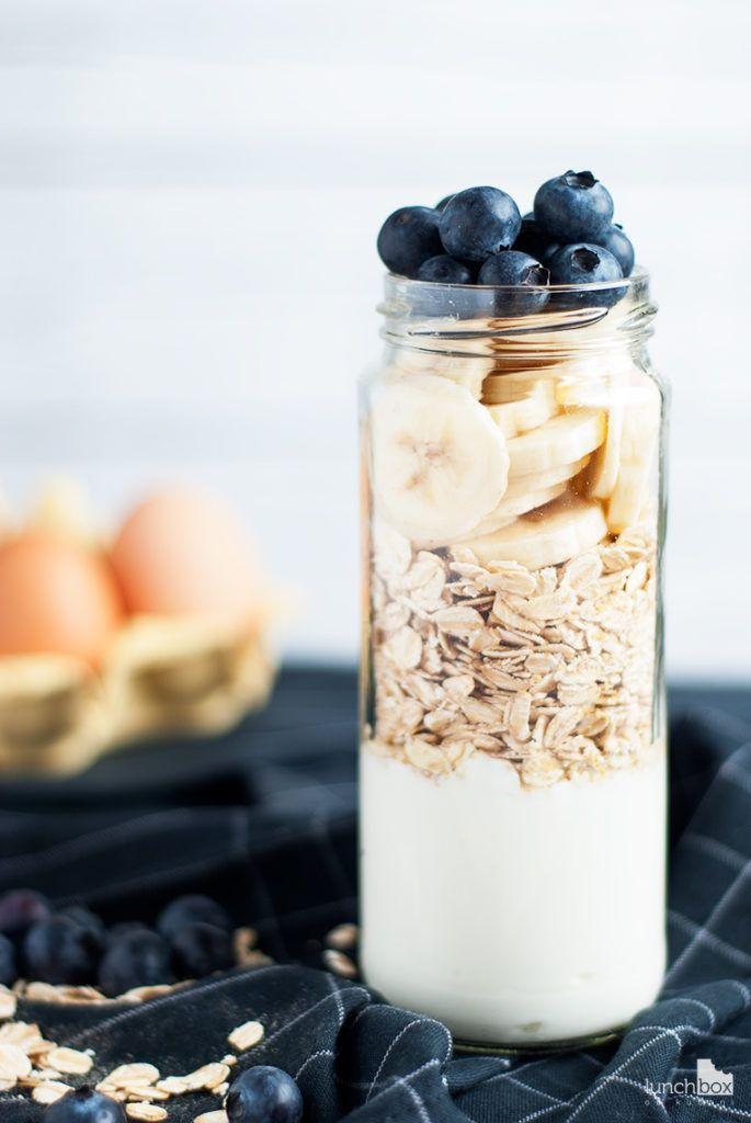 Placuszki jogurtowo-owsiane z syropem klonowym i borówką amerykańską - produkty | lunchboxodkuchni.pl