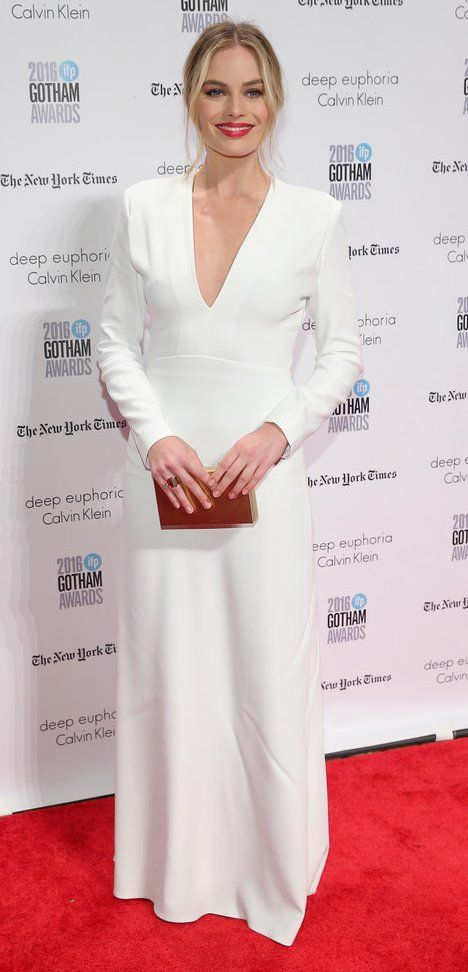 Margot Robbie in Calvin Klein attends IFP's 26th Annual Gotham Independent Film Awards. #bestdressed