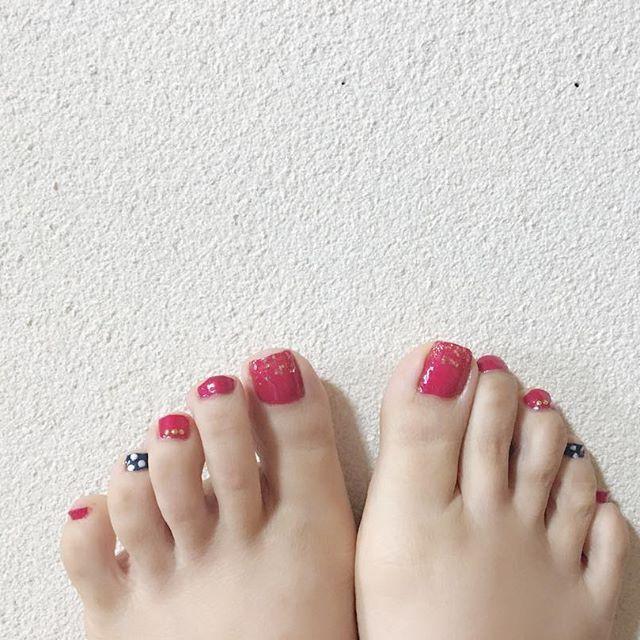 #セルフネイル#ネイル#💅 #フットネイル #インテグレートネイル#赤 #canmake#ネイビー#ドット #nail#selfnail#footnail#dot #足元倶楽部#nailstagram  #instagood#instalike#japan