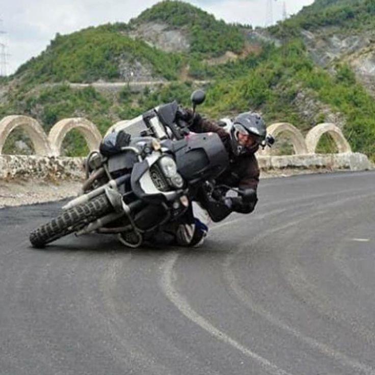 "5,099 mentions J'aime, 143 commentaires - BMW Adventure Riders (@bmwadventureriders) sur Instagram: ""#Repost @big_elephant_motorbikes ・・・ #bmw #bmwgs #bmwgs1200 #ktm #ktmadventure #ktmadventure990…"""
