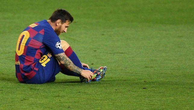 ميسي يضع ضمادة على كاحله في تدريبات برشلونة سبورت 360 شارك ليونيل ميسي نجم نادي برشلونة في تدريبات فريقه صباح اليوم الثلاثاء وذ In 2020 Messi Lionel Messi Sports