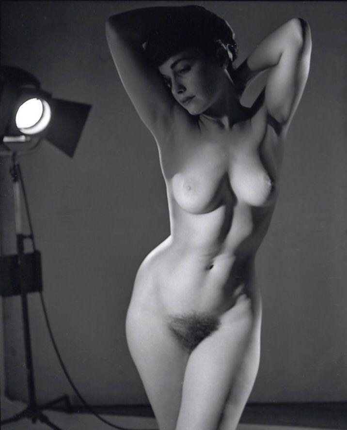 Anna Ventura: Free Vintage Porn Video