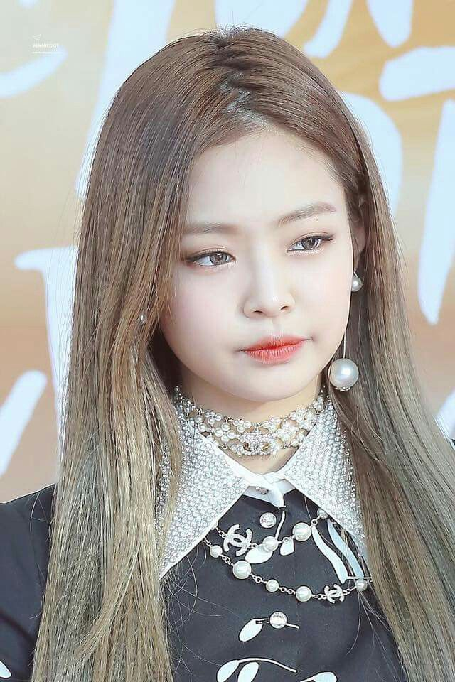 4 GIFs Of BLACKPINK Jennie39s Perfect Hair That Will