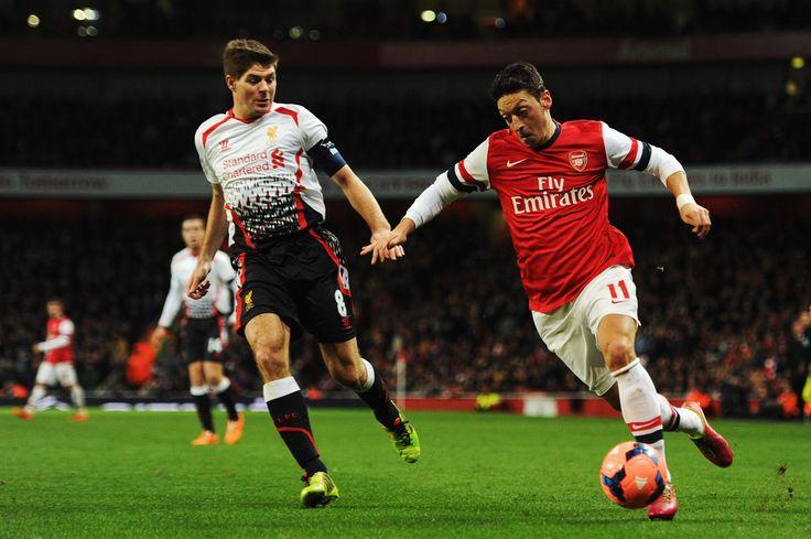 Mesut Ozil Photos: Arsenal v Liverpool - FA Cup Fifth Round