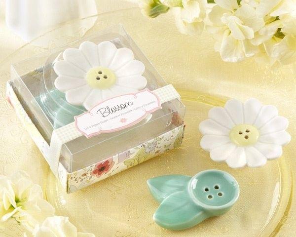 """Salero y pimentero """"Blossom Flower"""" #hermoso #bonito ideal para #bautizo o #babyshowerdecorations de #ceramica lo puedes #comprar en nuestra #tienda #ondinecollection en el #df"""