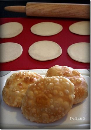 In Ponce they're called Domplines Ponceños & elsewhere on the island, as in Vieques, Fajardo & Humacao, they're Arepas.