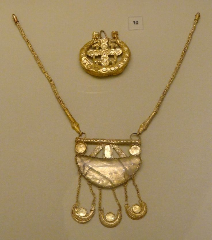 Minoan Jewellery in the Renovated Museum of Heraklion, Crete.The museum re-opened its doors to the public. The Minoan civilization collection, which hosts most of the findings of the Minoan Palace of Knossos will be open daily from 8 in the morning until 8 in the evening