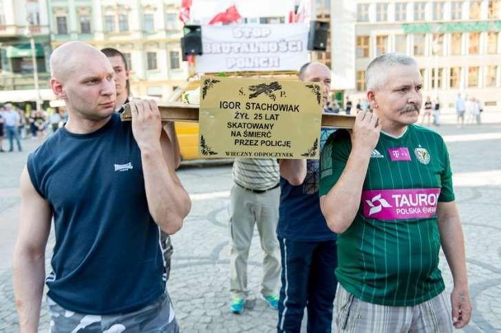 Marsz przeciwko brutalności policji na ulicach Wrocławia,
