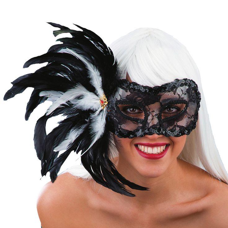 Antifaz encaje negro plumas adulto: Este antifaz para adulto mide unos 25 cm y se coloca con la ayuda de un lazo negro que viene incluido.Esta máscara de color negro es transparente debido al encaje negro. Está decorado...