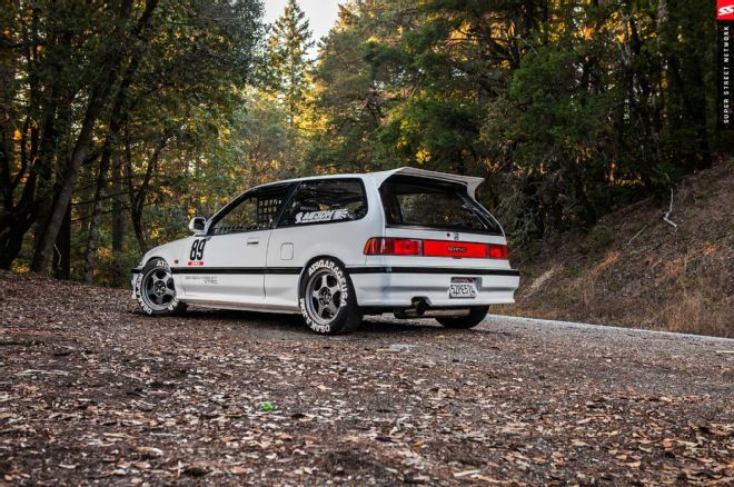 Nick Higgins' street-styled 1989 Honda Civic Hatchback is an ode to the JDM EF9 SiRs but with a cleanliness twist to it.