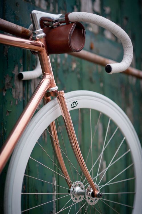 Again, Joost's copper bike. With WIT Industries wheels (we still have some of those left! http://www.witindustries.nl/collections/all/products/wit39-wheelset-white-powdercoated)