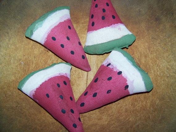 Set of 4 Primitive Watermelon Bowl Fillers by MondaysChildPrims, $10.00  Tute at http://mondayschildprims.wordpress.com/2012/04/21/baked-watermelon/